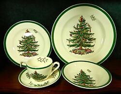 28-pieces Or Less Of Spode Christmas Tree Green Trim Pat. S2133 Fine China