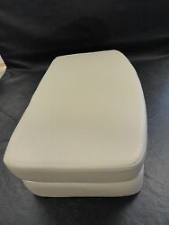 Tracker 05 Tahoe 228 Taupe 27 X 15 Bow Filler Cushion 706217.2 Marine Boat