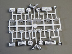 Lionel Fastrack Railroad Signs Train Road Fas Track Crossing Yield Rr 6-62180 Nb