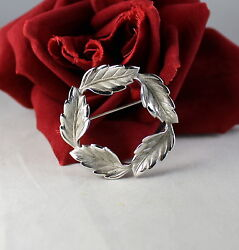 Sterling Silver Beau Sterling Leaf Wreath Circle 6.51g Pin Cat Rescue