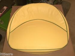 New John Deere Seat Cushion For Steel Seat Pan 110 And 112 Round Fender Am30095