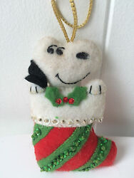 Christmas Malina Felt Applique Ornament MADE FROM KITSNOOPY Peanuts8400