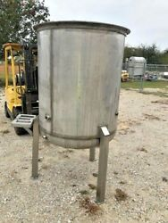 330 Gallon Heavy Wall Stainless Steel Tank Dish Bottom On Legs With Closed Lid
