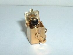 VINTAGE 10k YELLOW GOLD JACK IN THE BOX CHARM jack pops out 14k gold jump ring