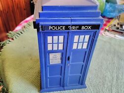 Dr Who Telephone Box + 207 Dr Who Cards