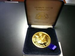 22ct Gold Plated Queen's Gallery Buckingham Palace Medal