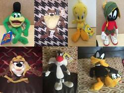 Looney Tunes Cartoon Character Soft Toy And Beanie Toy