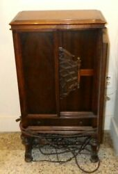 Stromberg-carlson No. 19 Dynamic 1920and039s Free Standing Radio Speaker In Cabinet