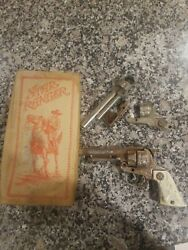 Vintage 1940's Hubley Texan Jr Toy Cap Gun With Spare Or Extra Parts And Box.