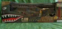 Ultimate Soldier Motorworks P-40b Tomahawk Flying Tigers. 1 18 Scale. New.