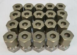Lot Of 20 1.25 Male Couplers Plumbing Fitting .50 Center Opening And Nut
