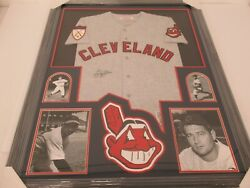 Early Wynn Cleveland Indians Signed Framed Matted Vintage Style Jersey Coa