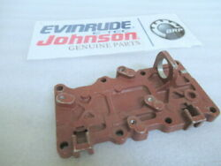 T12a Evinrude Johnson Omc 322404 Outer Exhaust Cover Oem New Factory Boat Parts