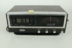 For Parts/repair, Vintage Zenith C472w-3 Solid State Circus Of Sound Clock Radio