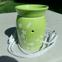 Large Scentsy Electric Ceramic Night Light and Wax Warmer Lt Green Summer Meadow
