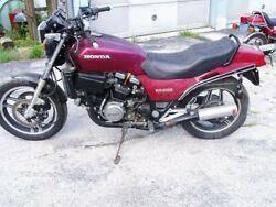 1984 Honda V45 750 Sabre Motorcycle Low Miles Complete With Title Read Desc