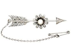 Antique 0.28 Ct Diamond And Seed Pearl, 9k White Gold Arrow Brooch 1900s