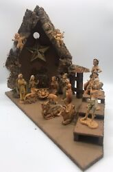"""Vintage Fontanini Depose Italy Nativity Set 16 4"""" Pieces And Stable W/ Music Box"""