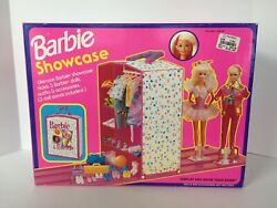 Barbie Showcase Holds 3 Barbie Dolls, Outfits And Accessories By Mattel 1993