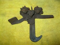 1983 1984 1985 1986 Ford Mustang Hood Latch Safety Catch Release Oe 79 82 Gt Lx