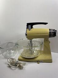 Vintage Sunbeam Mixmaster Stand Up Mixer With 2 Mixing Bowls And 2 Beaters