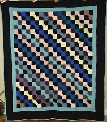 Outstanding Vintage 1920and039s Holmes County Oh Amish Quilt Nice Black Background