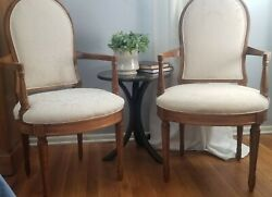 Pair Of Vintage French Upholstered Living Room Chairs/transitional/brentwood Sty