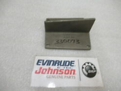 L0b Omc Evinrude Johnson 330073 Exhaust Cover Oem New Factory Boat Parts