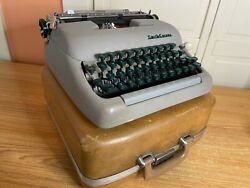 1957 Vintage Smith-corona Clipper Portable Typewriter Working W New Ink And Case