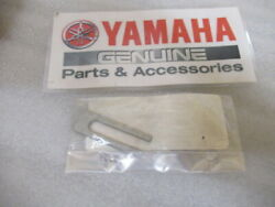 R62 Genuine Yamaha Marine 6h3-48538-00 Cable Clamp Oem New Factory Boat Parts