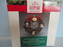 Hallmark Ornament 1990 Little Frosty Friends Wreath And 4 Miniatures New Box Stand