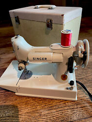 Portable Singer Sewing Machine Vintage White Featherweight Model 221 With Case