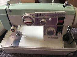 Vintage White Zig Zag Sewing Machine Model 644 Metal With Case Tested Rare