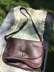 Vintage brown Coach leather shoulder Bag small to medium $24.99
