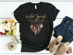 Womens Unisex Fit Wild Spirit Bohemian Boho Feathers Graphic T-shirt Top Tee
