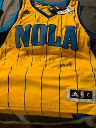 Nba-new Orleans Hornets Official Autographed Size Large Swing Man Adidas Jersey