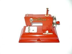 Vintage Kayanee Sewmaster Childs Toy Sewing Machine Berlin Germany Us - Zone Red