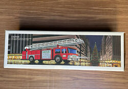 Hess 1986 Toy Fire Truck Bank Vintage New In Box 13.5 Inch Long Ladder Truck