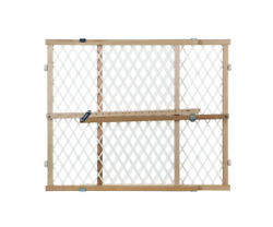 Diamond Mesh Gate Sturdy Frame Ideal For Bottom Of Stairs Or Between Rooms New