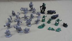 Vintage 1980's Lot Of 26 Dandd Dungeons And Dragons Miniature Figurines