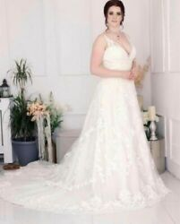 Beautiful Wedding Gowns By Mori Lee. Ivory Size 16 Free Storage Box Includedandnbsp