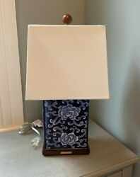 Floral Cobalt Blue White Asian Porcelain 17andrdquo Table Lamp And Shade New