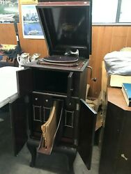 Vintage Victrola Standing Record Player For 78rpm Records