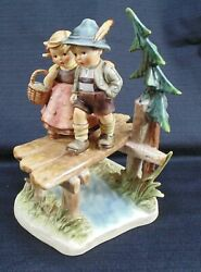 Goebel Hummel On Our Way Large 9 Tall Figurine 472 Century Collection Tmk 7