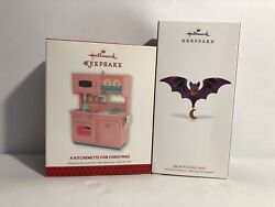 Hallmark 2013/18 A Kitchenette For Christmas/bewitching Bat Ornaments
