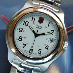 Victorinox Swiss Armymens Classic Officers 1884+white Dl+40mm+ss Bracelet=vnice