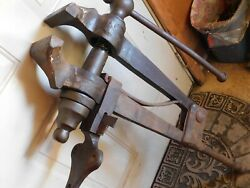 Vintage Indian Chief Post Leg Vice 105 6 1/4 Jaw