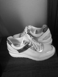 Big Logo Womens Lace Up Shoes Wedge Sneakers White Silver Size 10