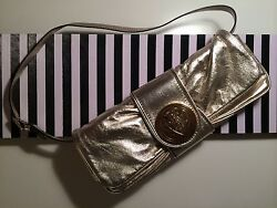 Gucci Metallic Shiny Gold Leather Shoulder Evening Handbag Wristlet Clutch