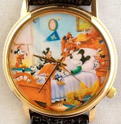 New Disney Mickey Mouse Pluto Through The Years Limited Edition Collector Watch